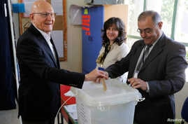 Lebanon's Prime Minister Tammam Salam casts his ballot at a polling station during Beirut's municipal elections, Lebanon, May 8, 2016. Establishment candidates have taken the lead in the poll.