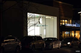 An Apple store in Woodbridge, Virginia. (Photo: Diaa Bekheet)