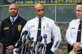 Baltimore Police Commissioner Anthony Batts (C) speaks at a press conference regarding the death of Freddie Gray, April 30, 2015, in Baltimore, Maryland.
