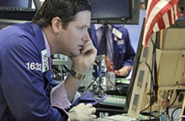 US Stocks Dive; US, European Economies Shake Investors