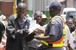 Thousands of Zimbabweans in South Africa Face Deportation