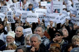 Protesters gather at the Old Town Square in Prague, Czech Republic, May 6, 2019. Czechs rallied in Prague to demand the resignation of the new justice minister.
