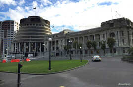 A police car is seen in front of the parliament building in Wellington, New Zealand, Sept.  21, 2017.