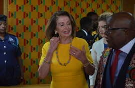 US House Speaker Nancy Pelosi wears some Ghanaian beaded jewelry during her visit to Accra, July 31, 2019. (S. Knott/VOA)
