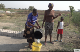 Most residents in the township of Kuwadzana on the west side of Harare rely on open water sources, Sept. 23, 2019. (C.Mavhunga/VOA)