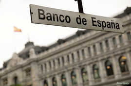 The metro station of Bank of Spain is seen in front of the Bank of Spain building in Madrid, Spain, May 22, 2018.  REUTERS/Juan…