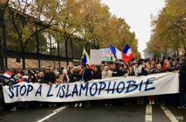 Thousands joined the Paris march saying they were fed up with anti-Muslim discrimination, Paris, Nov. 10, 2019. (Lisa Bryant/VOA)