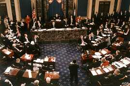 The proceedings of the US Senate vote in the impeachment trial of US President Bill Clinton is pictured in this general view 12…