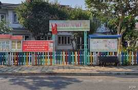 A school in Ho Chi Minh City informs students it is closed due to Covid-19, Ho Chi Minh, March 31, 2020.