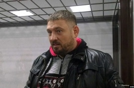 Syarhey Tsikhanouski at the Saviecki District Court in Homel in December. (Courtesy - RFE/RL)