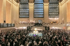 Commuters crowd the Grand Central Terminal in New York on Tuesday, May 15, 2018.