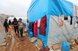 17041503: More than a milllion people are displaced in Idlib, Syria, the last opposition stronghold in Syria's 10-year-old civil war on Dec. 1, 2020. (VOA)