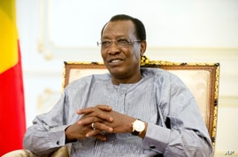 FILE - Chadian President Idriss Deby Itno meets with U.S. Ambassador to the United Nations Samantha Power in N'Djamena.