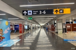 Rome's airport in Italy remains deserted and silent. (Jamie Dettmer/VOA)