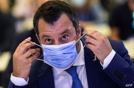 Italian Federal Secretary of Lega party and former Deputy Prime Minister of Italy Matteo Salvini puts a face mask on during the…