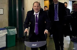 Harvey Weinstein arrives at court for his rape trial, in New York, Tuesday, Feb. 4, 2020. (AP Photo/Richard Drew)