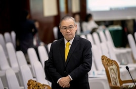 Philippines Foreign Affaires Secretary Teodoro Locsin Jr. walks ahead of the Special Meeting of Foreign ministers of The…