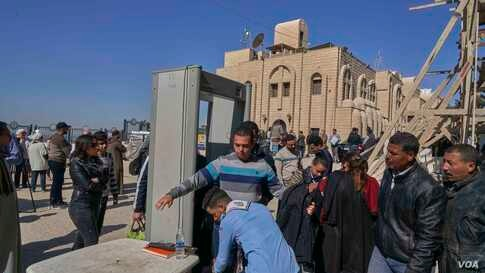Corners and aisles in Minya are now under total security control. Adding the recent discoveries, all encouraged the Egyptian government to bring Minya to the international tourism map again. (Hamada Elrasam/VOA)