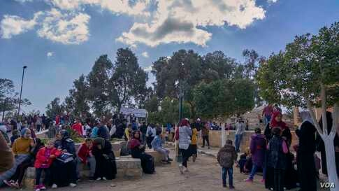 In the village of Bahnasa, where there are relics from different historical eras,  local Muslims and Christians visit the sanctified sites where the holy family stayed for blessings.(Hamada Elrasam/VOA)