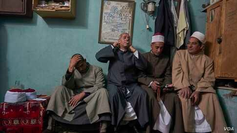 Sufi moderate Sheikhs from Al-Azhar Sheikhdom in Minya have been teaching local Muslims about how to collaborate with their government and security in order to bring local and international tourism back to their villages. (Hamada Elrasam/VOA)