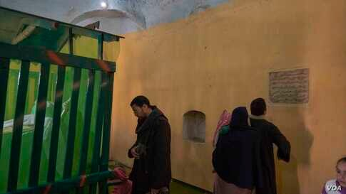The sacredness and historical value of the village of Bahnasa increases by including many tombs of the Companions and family members of Prophet Mohamed and the tree where the holy family rested under it. (Hamada Elrasam/VOA)