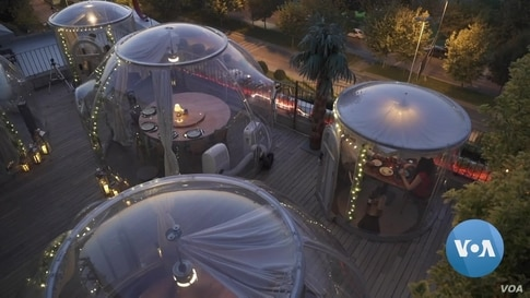 Istanbul Restaurant Offers Private 'Pods' for COVID-Wary Diners