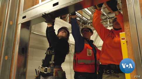 What It's Like to be a Female Construction Worker in US