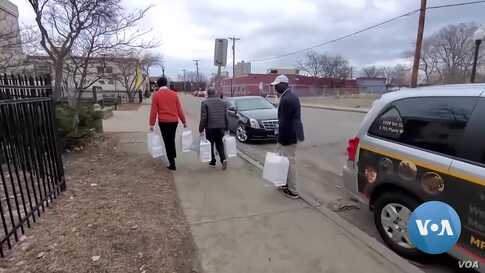 US Somali Deli Delivers Cheer Along with Food to Elderly, Disabled