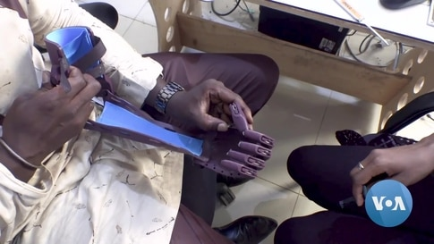 In Senegal, Entrepreneurial Cancer Survivor Looks to 3-D Printing to Aid Amputees