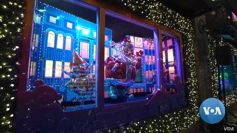 New York Window Displays Go All Out During Christmas Season