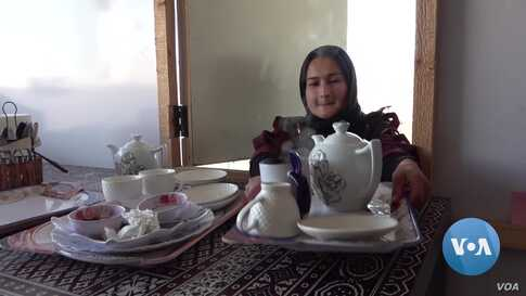 Women Enter Afghanistan's Male Dominated Restaurant Industry