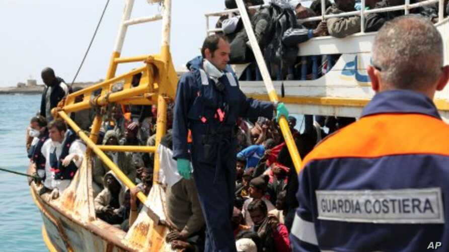 25 Libyan Refugees Found Dead on Boat