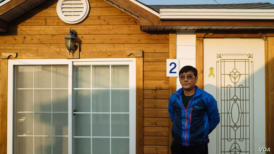 Kwon Oh-bok haKwon Oh-bok has been staying in Jindo ever since April 16, 2014. He stayed at the Jindo Gymnasium until the search mission ended in November, and then moved to temporary housing at Paengmok Port to urge the government to lift the sunken