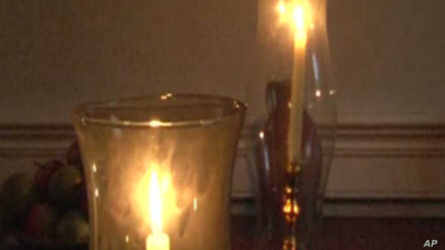 Candlelight Tours in Historic Virginia Town Highlight 18th Century Christmas