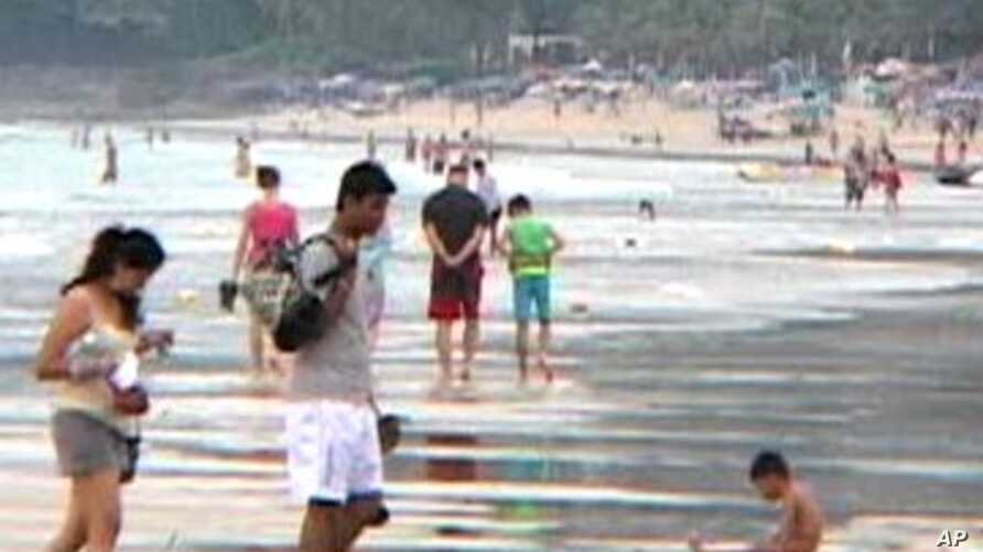 Today, the Thailand's beaches  show evidence that the tourists have returned since the waves that hit on December 26th, 2004