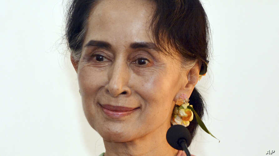 Leader of the National League for Democracy party (NLD) and Myanmar's new Foreign Minister Aung San Suu Kyi smiles during a press conference after a meeting with Chinese Foreign Minister Wang Yi in Naypyitaw, Myanmar, April 5, 2016.
