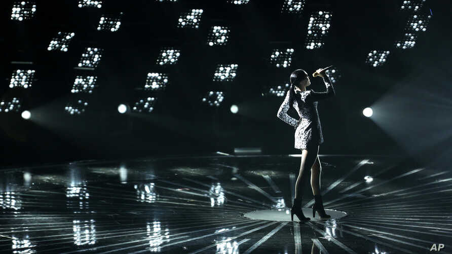Jessie J performs at the MTV Video Music Awards at The Forum on Sunday, Aug. 24, 2014, in Inglewood, California.