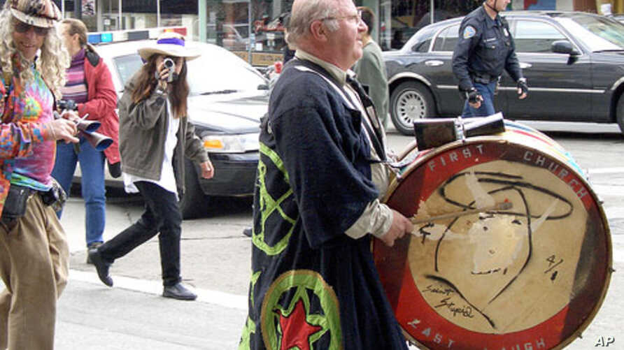 What do you suppose this person is all about?  His drum reads First Church, Last Laugh. The drawing is of St. Stupid!