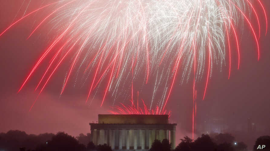 Fireworks explode over Lincoln Memorial, at the National Mall as seen from Arlington, Va. during the Fourth of July celebration on July 4, 2016.