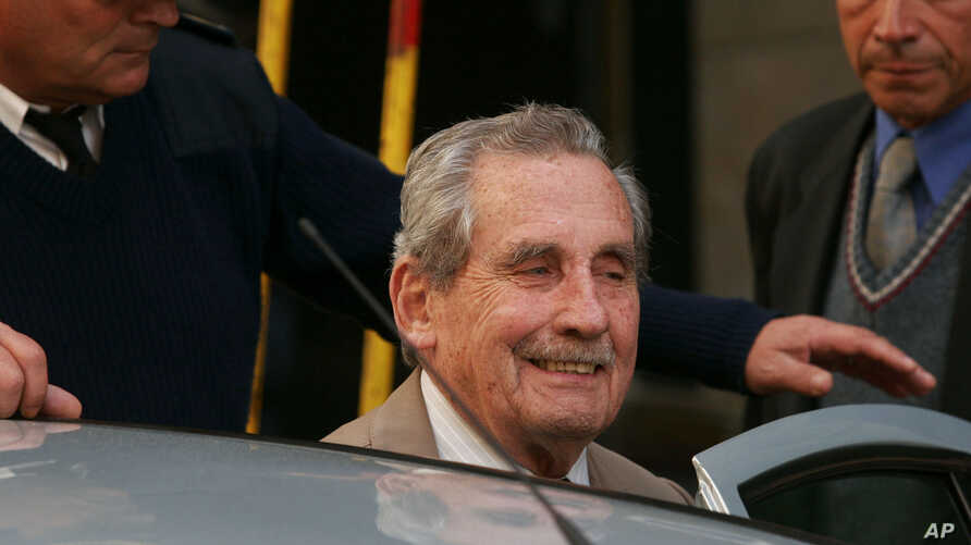 FILE - Former Uruguayan dictator Gregorio Alvarez arrives at court in Montevideo, Nov. 5, 2007. Alvarez was being prosecuted for, and later was convicted of, human rights violations during his 1973-85 dictatorship.