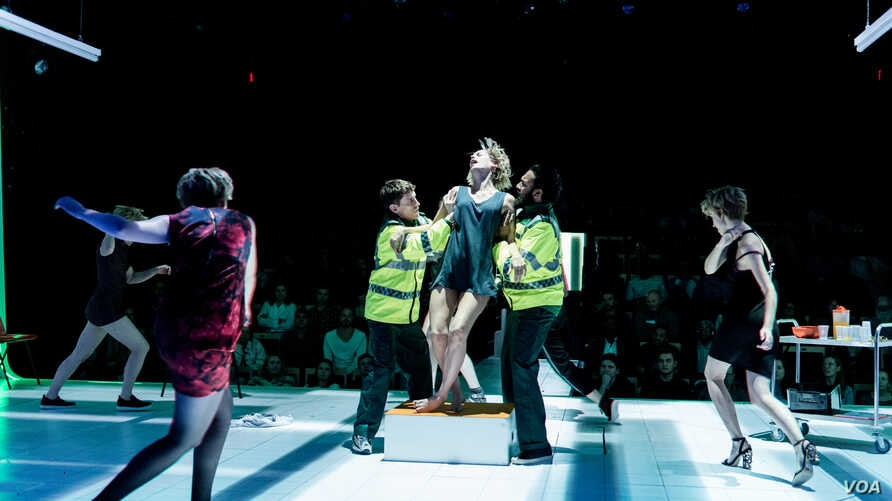 Paramedics administer to Emma (Denise Gough), an alcoholic and addict in People, Places & Things.