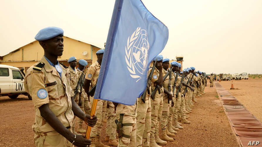 Senegalese peacekeepers belonging to the MINUSMA (he United Nations Multidimensional Integrated Stabilization Mission in Mali) line up ahead of the arrival of United Nation secretary-general, May 30, 2018 in Sevare.
