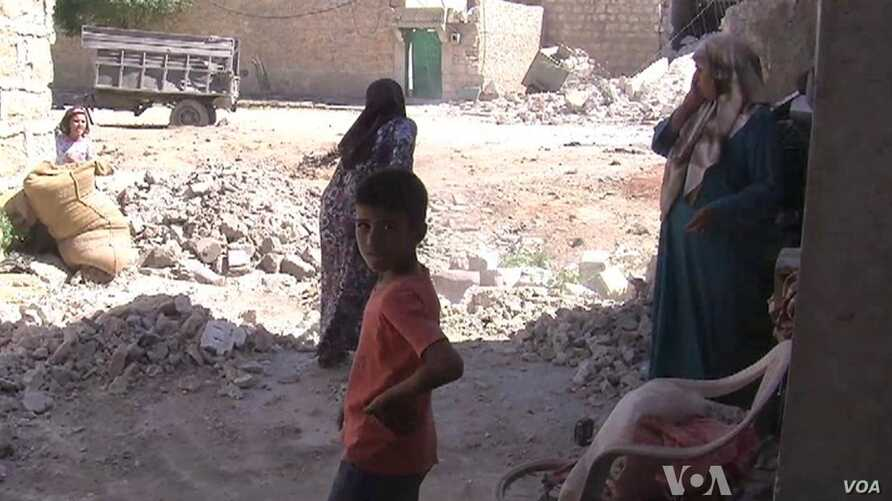 Syrian Bombings Force Villagers to Flee