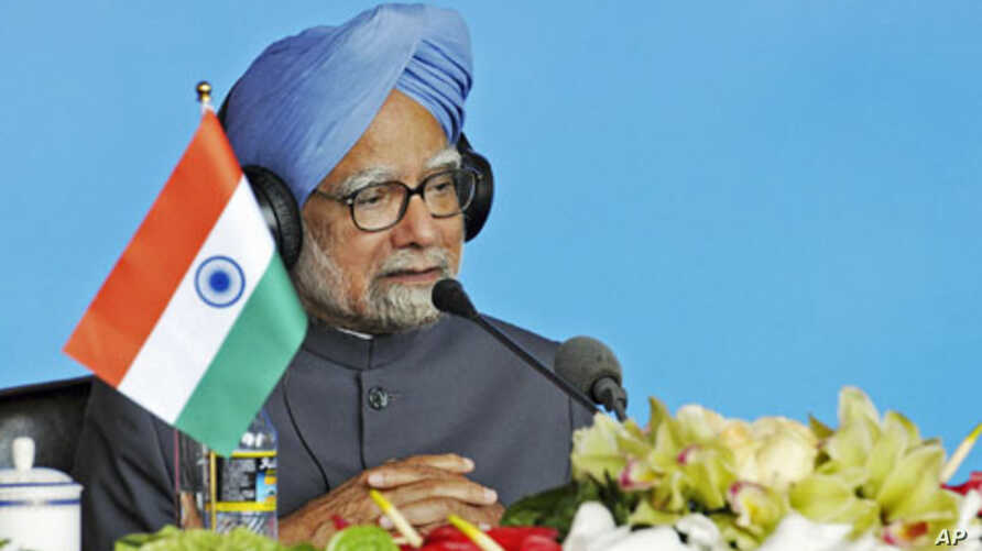India's Prime Minister Manmohan Singh speaks at a joint news conference during the BRICS [Brazil, Russia, India, China and South Africa] summit in Sanya, on the southern Chinese island of Hainan, April 14, 2011 (file photo)