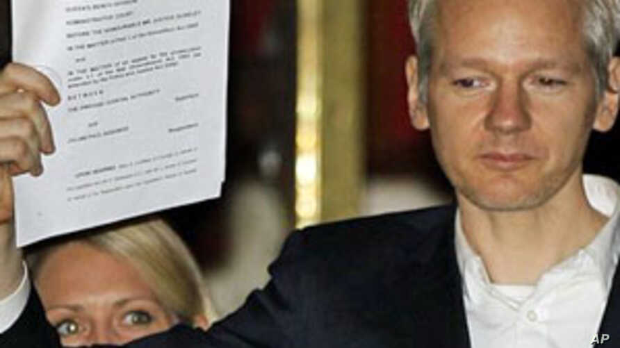 WikiLeaks' Founder Assange Claims He Is Victim of Leak