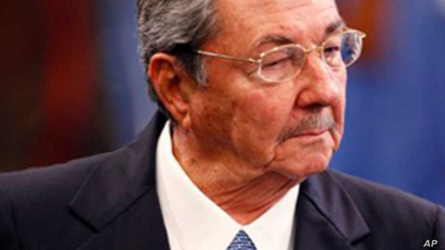 Cuba to Move State Employees Into Private Sector