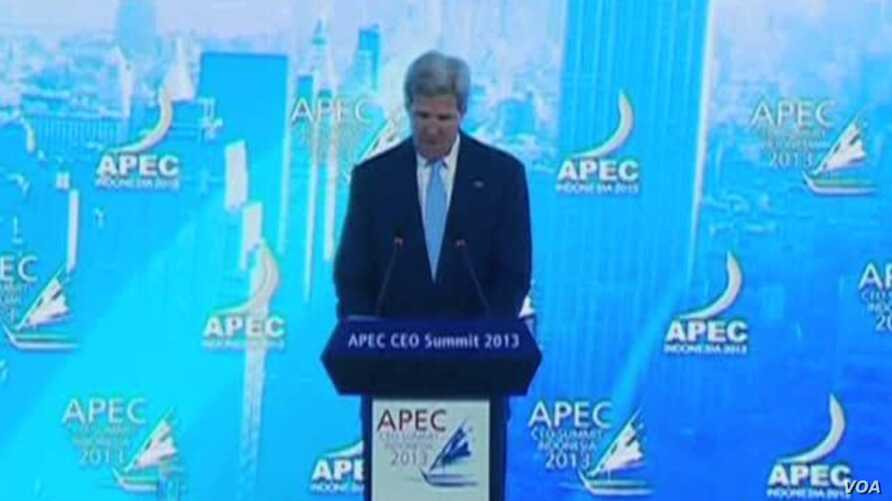 Kerry Defends US Commitment to Asia at APEC