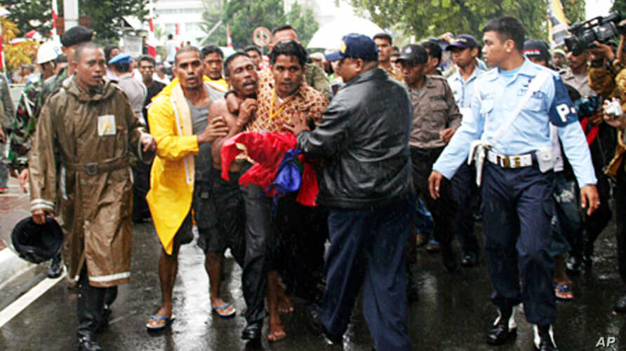 On June 29, 2007 Johan Tererisa was arrested by Indonesian security officials for unfurling a banned flag that symbolizes Papua independence