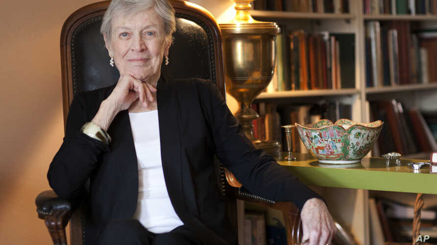 """FILE - Author Paula Fox poses for a portrait in New York, March 24, 2011. Fox, known for the novels """"Desperate Characters"""" and """"Poor George"""" and the memoir """"Borrowed Finery,"""" died March 1, 2017."""