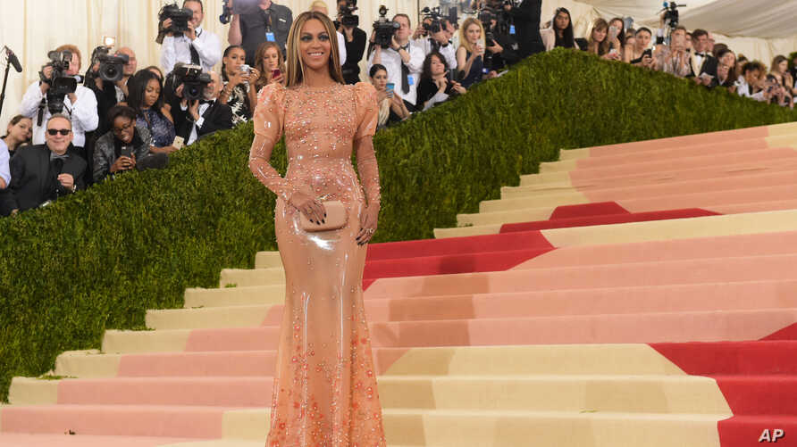 """Beyonce Knowles arrives at The Metropolitan Museum of Art Costume Institute Benefit Gala, celebrating the opening of """"Manus x Machina: Fashion in an Age of Technology"""" on May 2, 2016, in New York."""